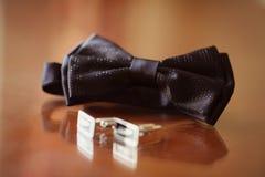 Bowtie e botões elegantes para o homem Foto de Stock Royalty Free