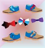 Bowties e sapatas relaxado do ` s dos homens Imagem de Stock