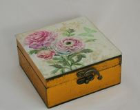 The box is decorated with painted roses, beautiful jewelry box, jewelry box, jewelry box for you, Golden casket, small box, jewelr royalty free stock photos