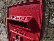 box den brittiska gammala stolpen Arkivfoto