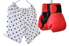 Boxarekortslutning och par av handskar Arkivbild