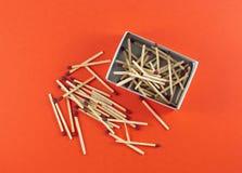 Boxas av matchsticks Arkivfoto