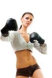 Boxe confiante intense de femme image stock