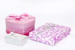 Boxe rosa del cuore con i contenitori di cubo Fotografia Stock Libera da Diritti