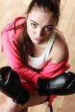 Boxe sportive convenable de femme Images libres de droits