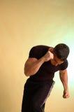 Boxeador de sexo masculino adentro en el negro 2 Imagen de archivo
