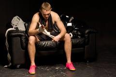 Boxeador que se prepara para una lucha Imagen de archivo