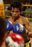 Boxeador tradicional del Lao de Muay en un pueblo cerca de Vientianne, Laos Imágenes de archivo libres de regalías