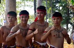 Boxende und tanzende phu thailändische Art thailändischer Leute Phu für Show trave Stockbilder