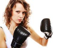 Boxeo apto de la mujer - aislado sobre blanco Fotografía de archivo libre de regalías
