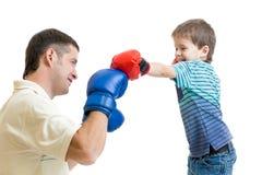 Boxeo del juego del hijo del padre y del niño Foto de archivo