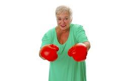 Boxeo mayor femenino Fotos de archivo libres de regalías