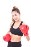 Boxer - tragende boxende rote Handschuhe des Eignungsfrauen-Verpackens Lizenzfreies Stockfoto