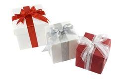 boxes gåvan som isoleras över white Fotografering för Bildbyråer