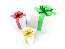 boxes isolerade gåvor Royaltyfria Foton