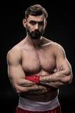 Boxeur avec envelopper des mains photos stock
