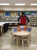 Boxeur invaincu Bakhtyar Eyubov à la bibliothèque publique de Brooklyn Image libre de droits