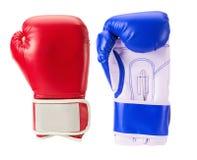 Boxhandschuhe lokalisiert auf dem weißen Hintergrund Lizenzfreie Stockfotos