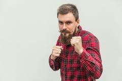 boxing Jonge volwassen zakenman, klaar voor strijd stock fotografie