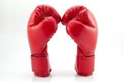 Boxninghandskar på ett vitt bakgrundsslut upp Royaltyfria Bilder