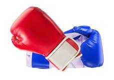 Boxninghandskar som isoleras på den vita bakgrunden Royaltyfria Bilder