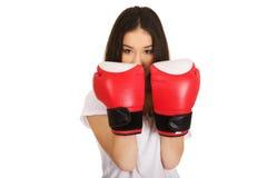 boxninghandskar som slitage kvinnabarn Arkivbild