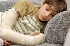 Boy with broken arm Royalty Free Stock Photography