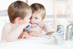 Boy brushing teeth Royalty Free Stock Photography