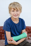 Boy with cast Royalty Free Stock Photography