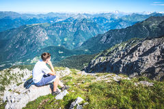 Boy contemplate the view Royalty Free Stock Photos