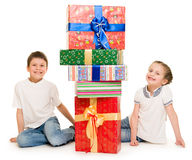 Boy and girl with gift box Royalty Free Stock Images