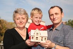 boy house seniors Στοκ εικόνες με δικαίωμα ελεύθερης χρήσης
