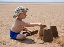 Free Boy Playing Royalty Free Stock Photography - 8336077