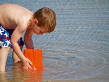 Boy playing at beach Royalty Free Stock Photography