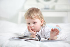 boy read book Royalty Free Stock Photography