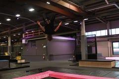 Boy2 sautant Photographie stock libre de droits