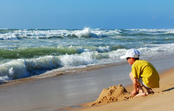 The boy and the sea Royalty Free Stock Photo