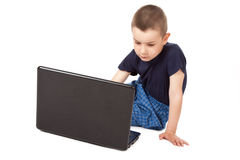 Boy whit laptop Royalty Free Stock Images