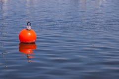 Boya en el agua fotos de archivo libres de regalías
