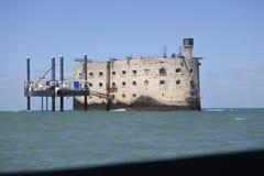 Boyard Ford bara på Atlanticet Ocean inget kan gå där, endast celebreties för TV-program royaltyfria foton