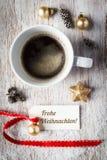 Bożych Narodzeń wciąż życie, filiżanka kawy, etykietka Fotografia Royalty Free