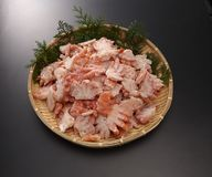 Boyle red snow crab shoulder meat half-cut on bamboo tray in gre Royalty Free Stock Photos