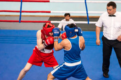 Boys compete in boxing Royalty Free Stock Photography