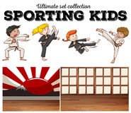 Boys and girls doing martial arts Royalty Free Stock Photography