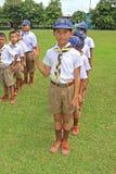 Boyscouts está fazendo a atividade no DIA TAILANDÊS de BOYSCOUT fotos de stock