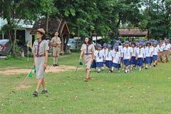 Boyscouts robi aktywności w TAJLANDZKIM BOYSCOUT dniu zdjęcia stock