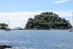 Brégançon堡垒在Var部门的 免版税库存图片