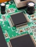 Bräde för utskrivaven strömkrets med elektriska delar, teknologi Royaltyfri Fotografi