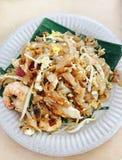 Bränna till kol kway teow - lokal mat i Malaysia Royaltyfri Bild