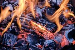 Brännande kolcloseup Fotografering för Bildbyråer